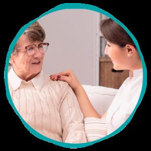 Empleadas que se encargan del cuidado de los mayores - Empleada en casa
