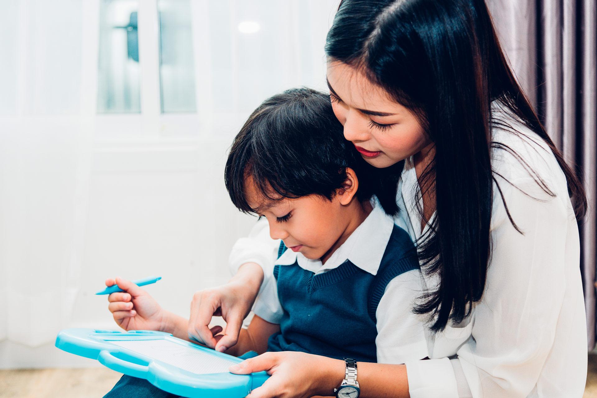 Empleadas filipinas bilingües en inglés para cuidar y enseñar a los niños - Empleada en casa