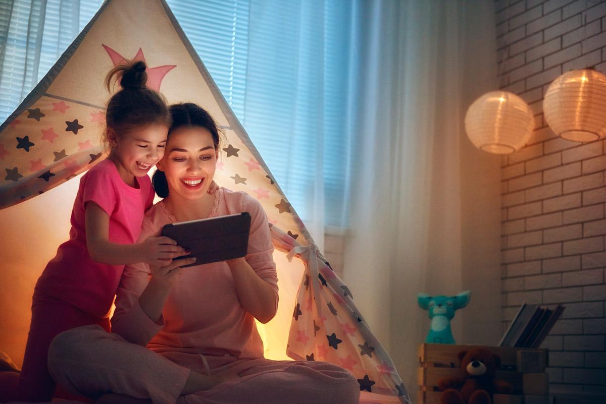 Disponemos de servicios de cuidados nocturnos para los más pequeños - Empleada en casa